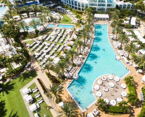 fontainebleau nye pool view
