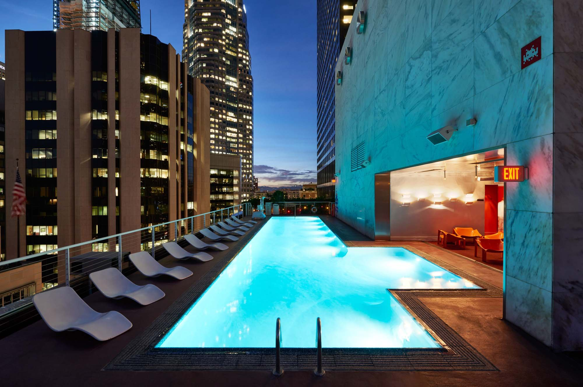 The 20 best pools in la vegas miami new york zocha group - Best hotel swimming pools in california ...