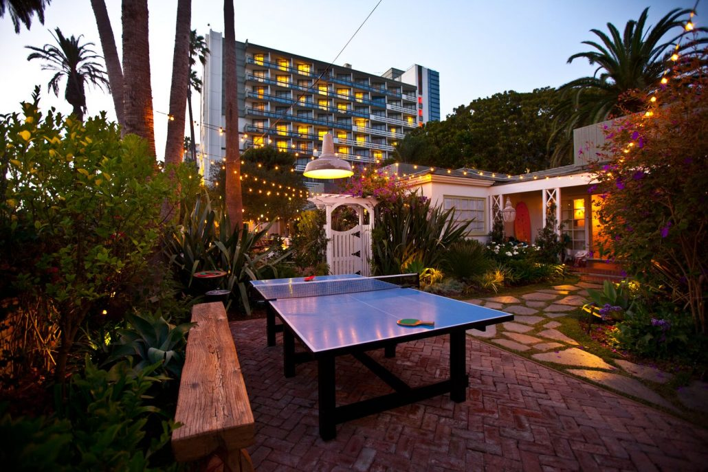 the bungalow santa monica patio ping pong table