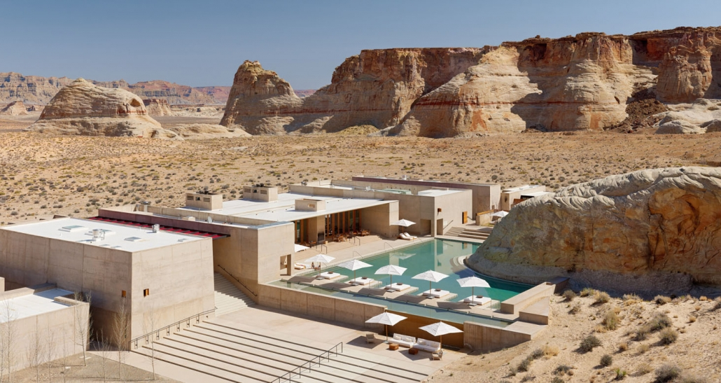 amangiri hotel in desert with pool