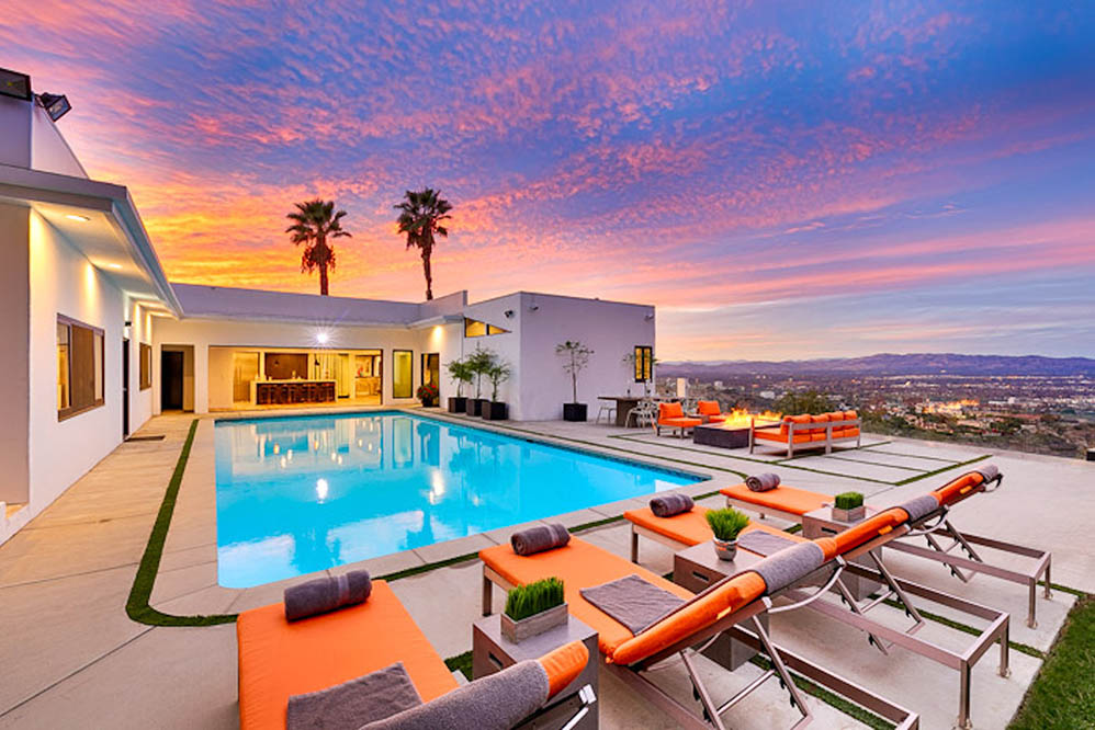 beverly hills villa rental pool during sunset