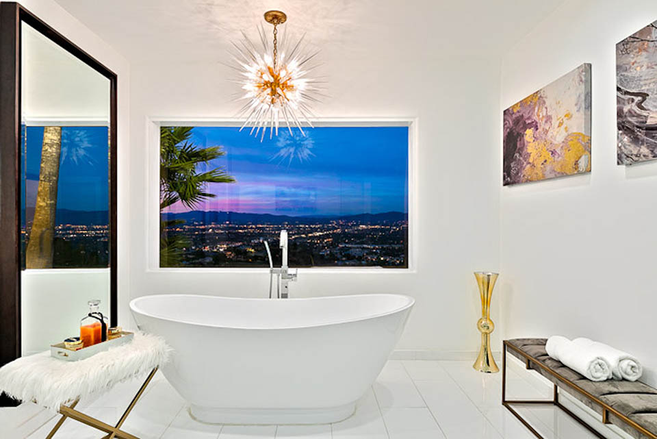 beverly hills villa rental bathroom bathtub
