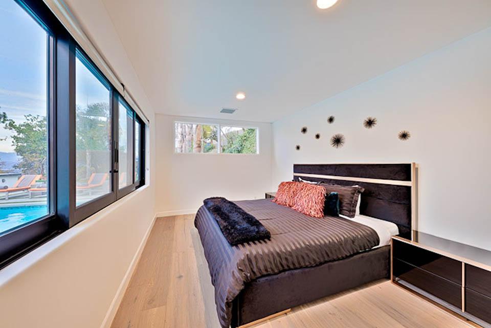 beverly hills villa rental guest bedroom