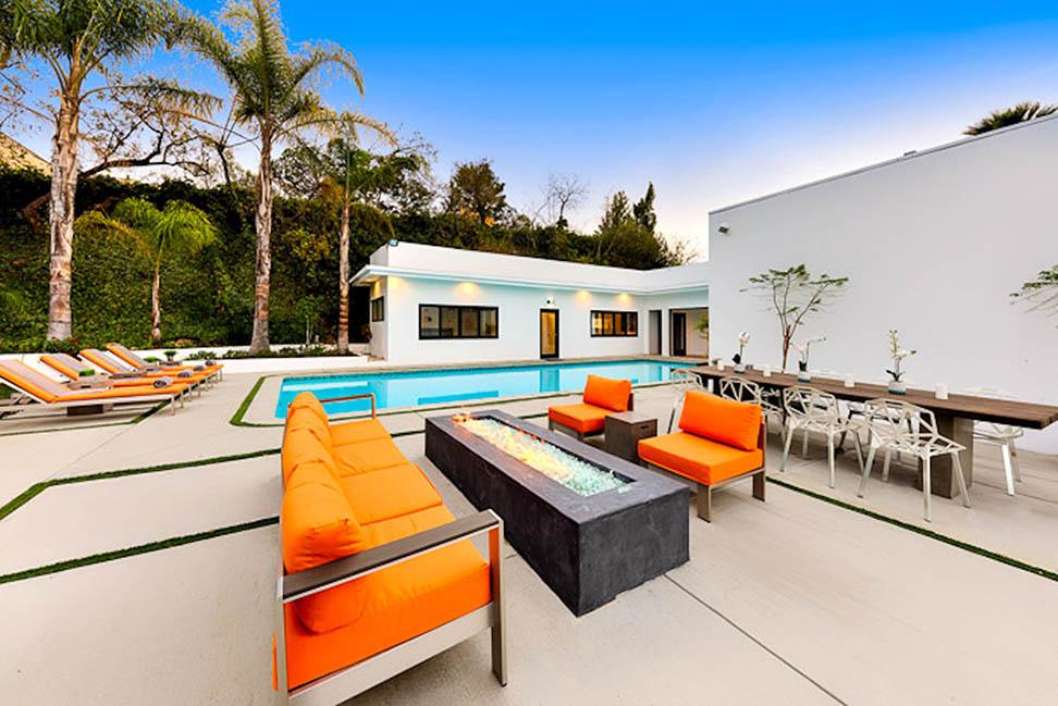 beverly hills villa rental firepit seating