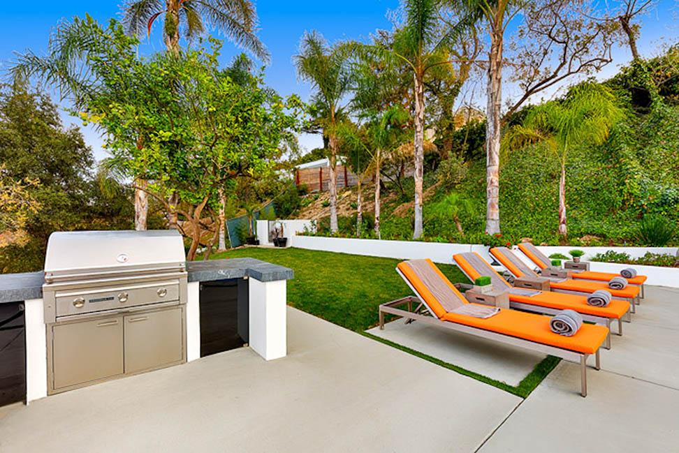 beverly hills villa rental bbq