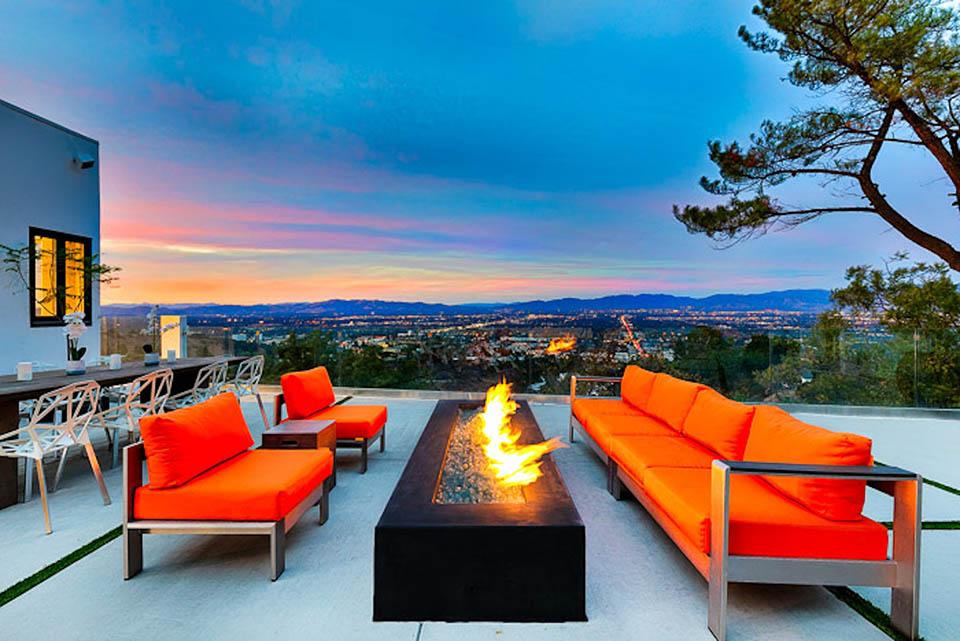beverly hills villa rental patio firepit