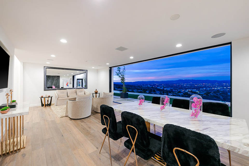 beverly hills villa rental dining table view