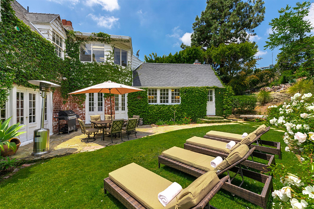 hollywood hills villa rental backyard lounge chairs