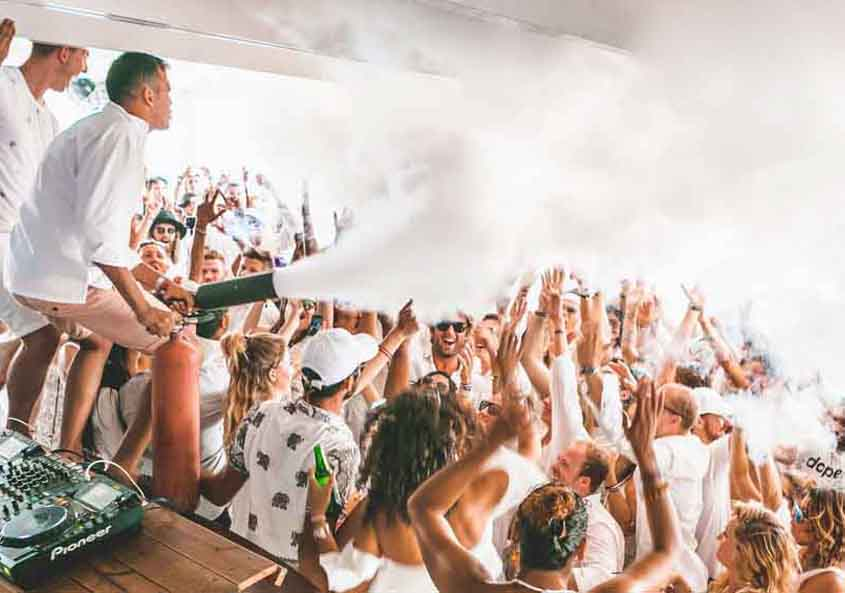 The Yacht Week Greece White Party