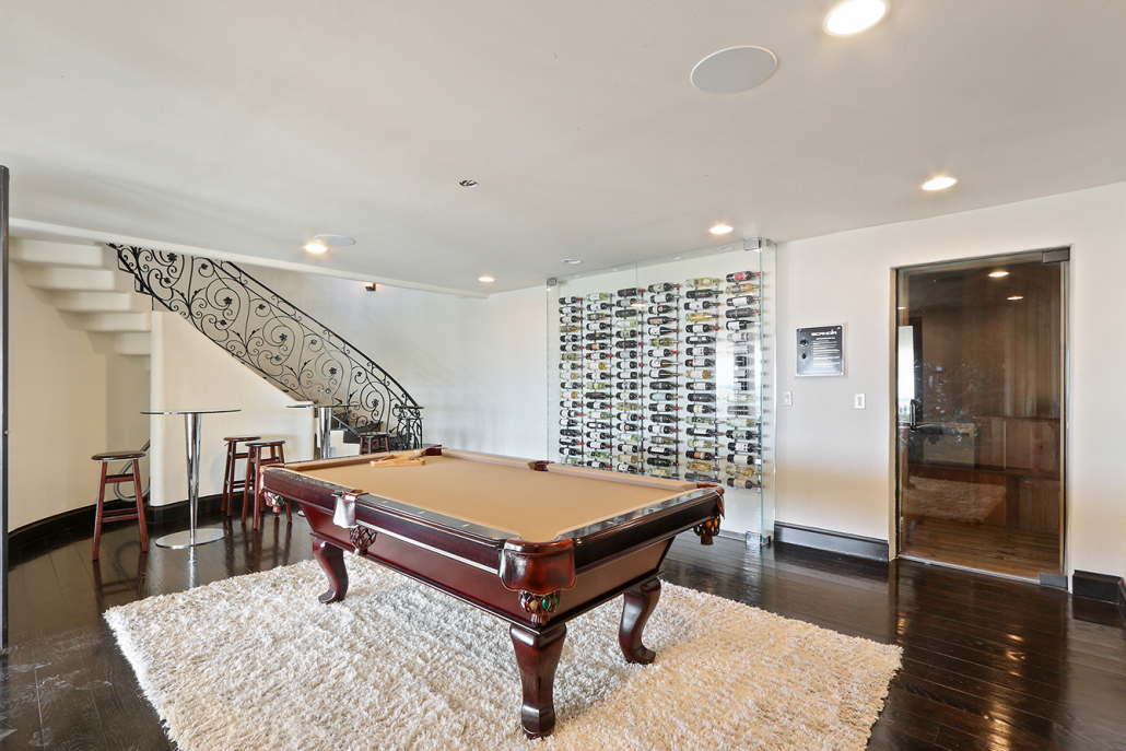 beverly hills villa rental pool table