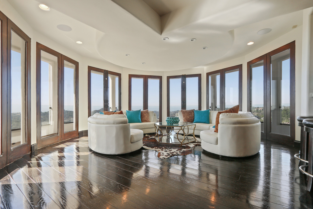 beverly hills villa rental living room view