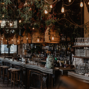 trendy paris restaurants with a social scene