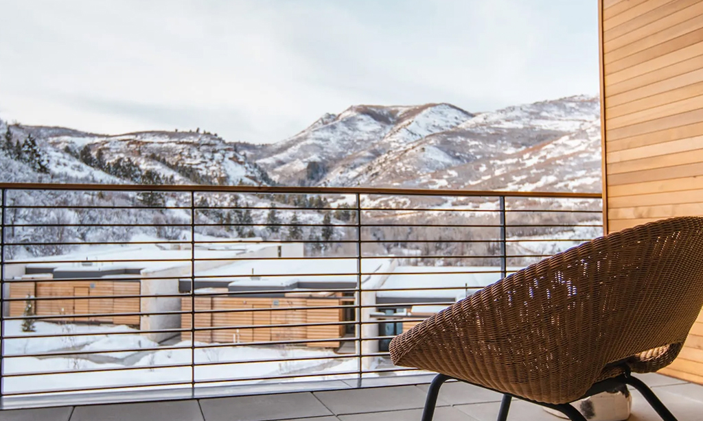 peregrine suites patio at the lodge at blue sky