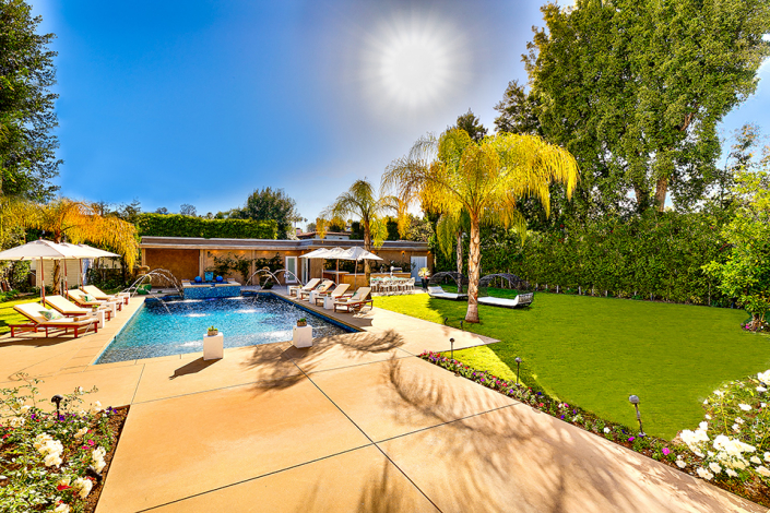 beverly hills villa rental backyard with pool