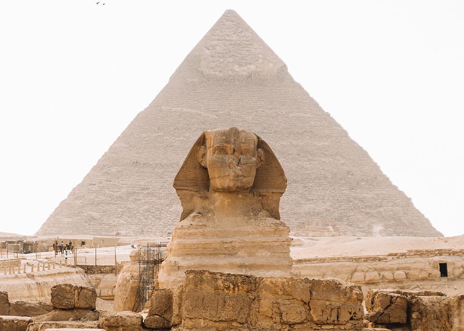 sphinx in giza pyramid