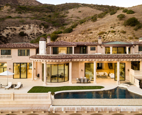 malibu villa rental exterior view