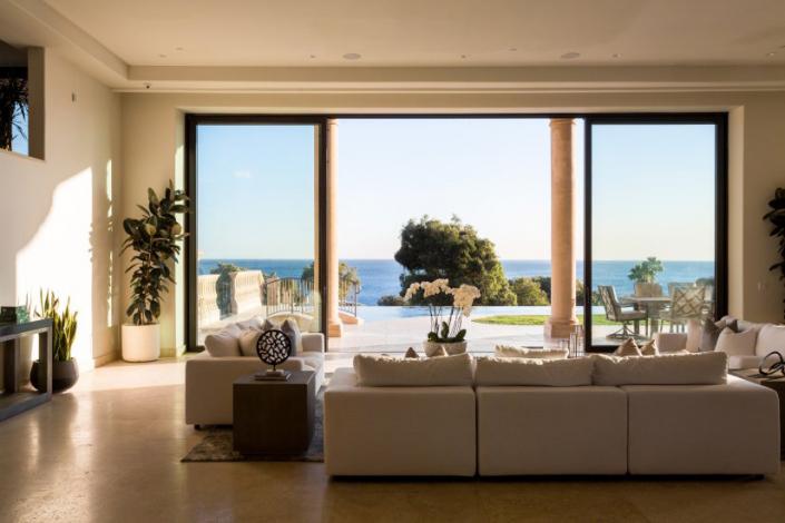 malibu villa rental family room view