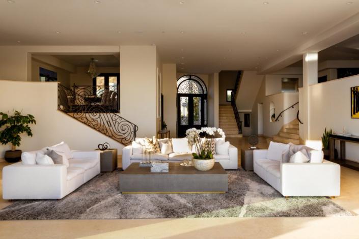malibu villa rental family room
