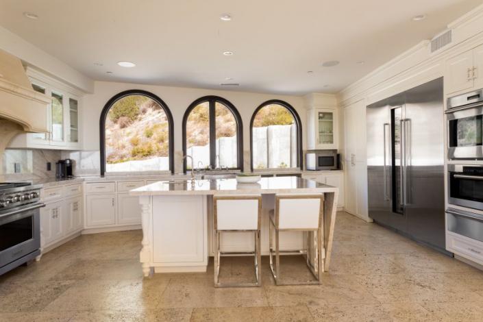 malibu villa rental kitchen