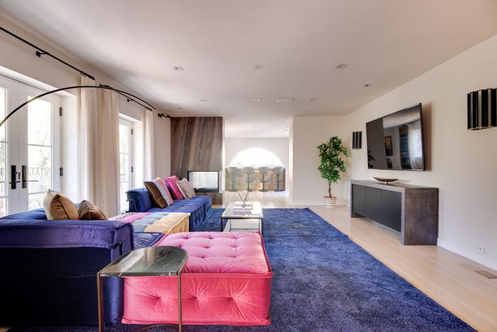beverly hills villa rental family room