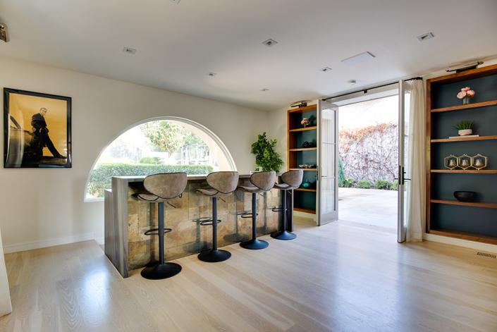 beverly hills villa rental bar