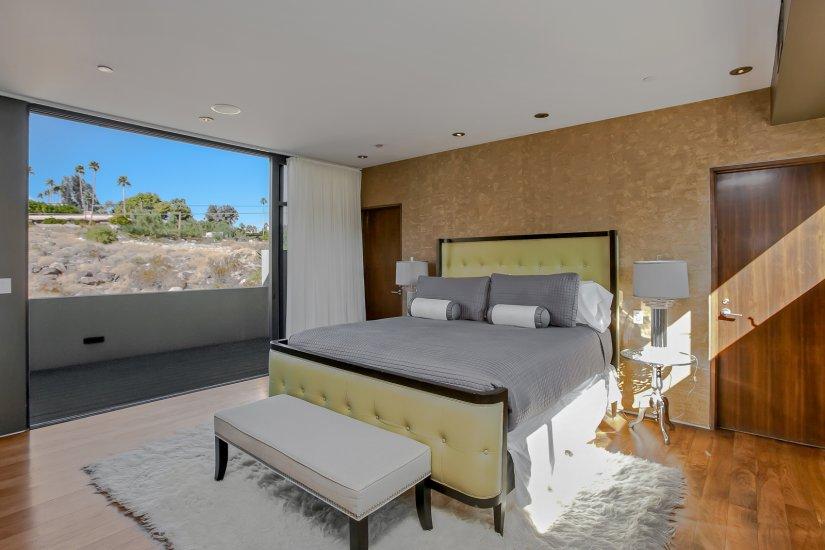 palm springs villa rental guest bedroom
