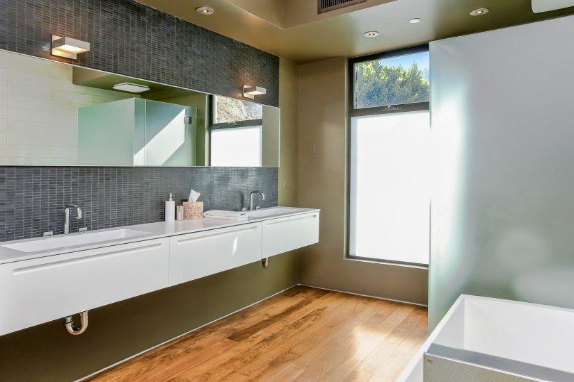 palm springs villa rental bathroom