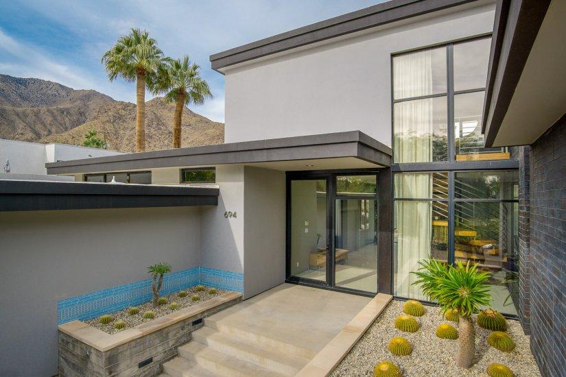 palm springs villa rental entrance