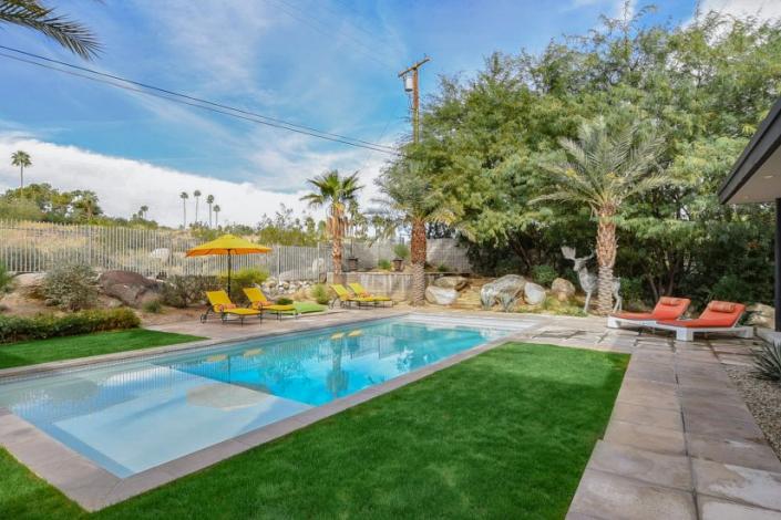 palm springs villa rental backyard pool