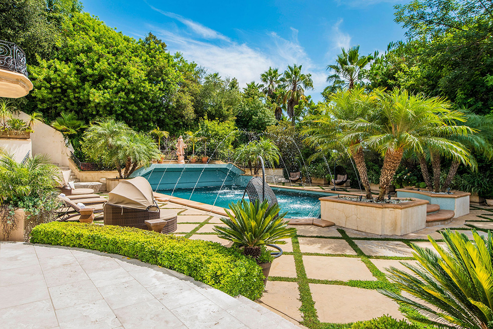 beverly hills villa rental patio with pool