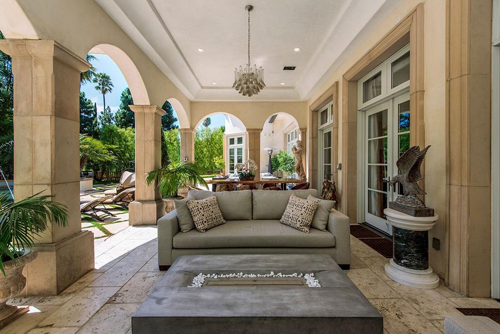 beverly hills villa rental outdoor patio