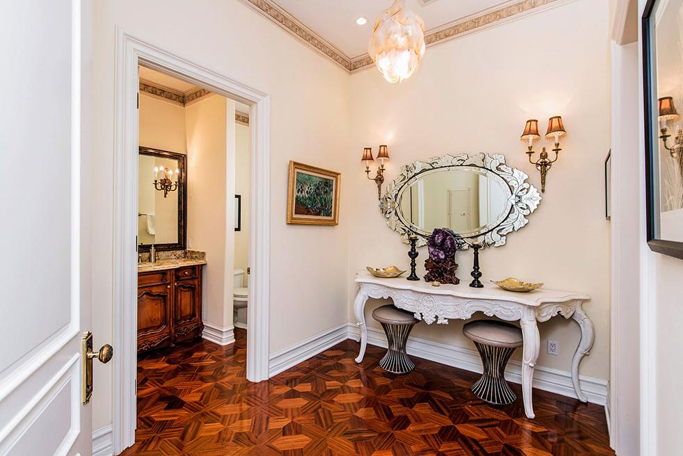 beverly hills villa rental powder room