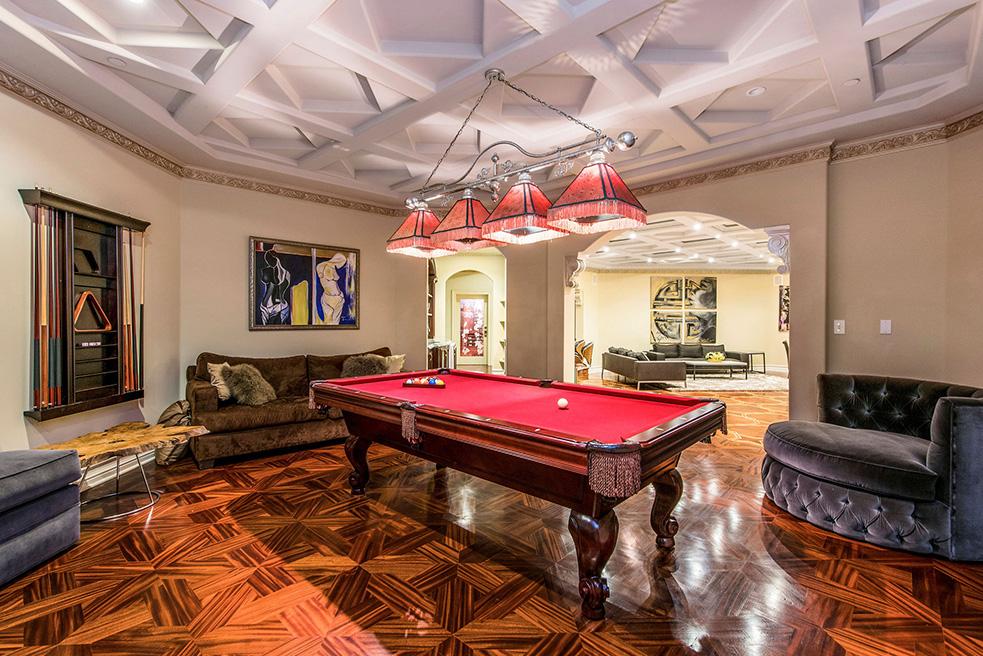 beverly hills villa rental pool table game room