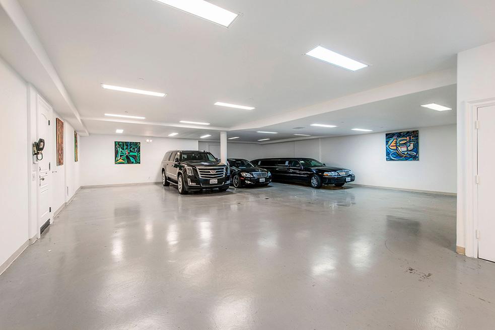beverly hills villa rental garage