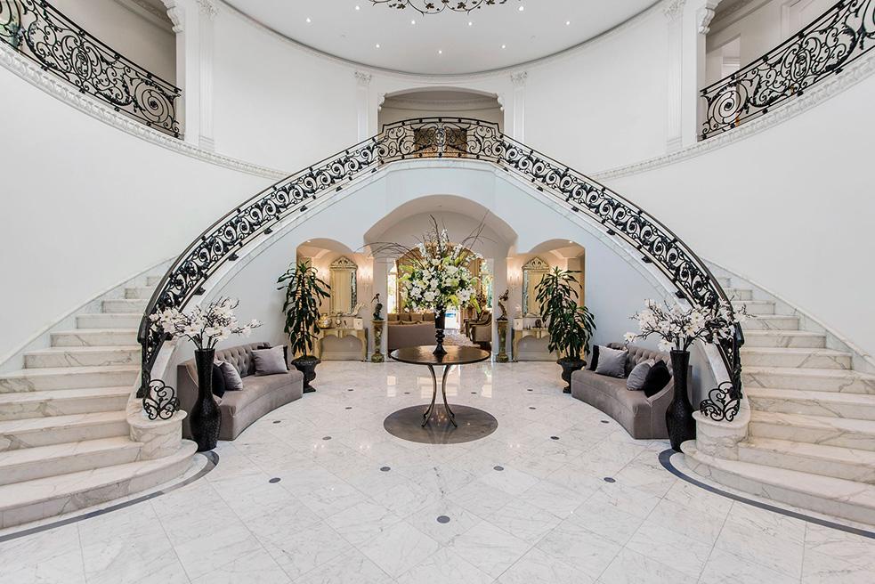 beverly hills villa rental foyer