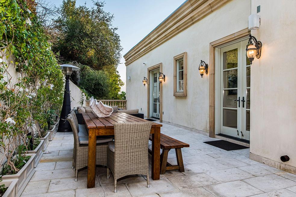 beverly hills villa rental patio dining table