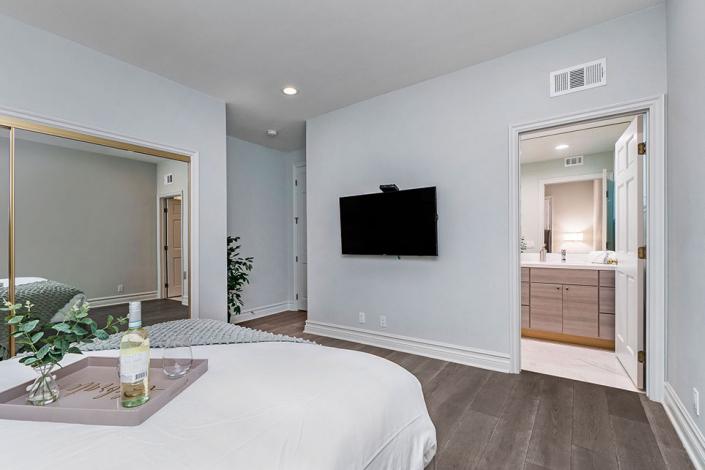 Brentwood villa rental guest bedroom