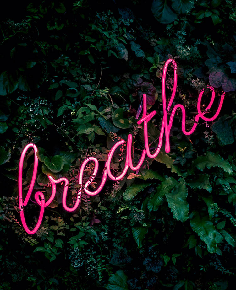 breathe sign to de-stress