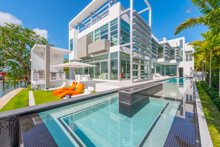waterfront modern miami hibiscus island villa rental